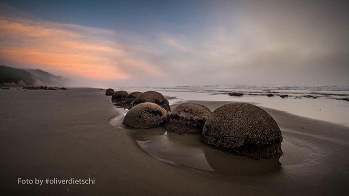 Moeraki Boulders by Oliver Dietschi