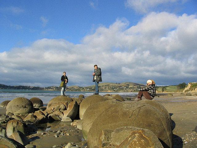Moeraki boulders by Tim Musson