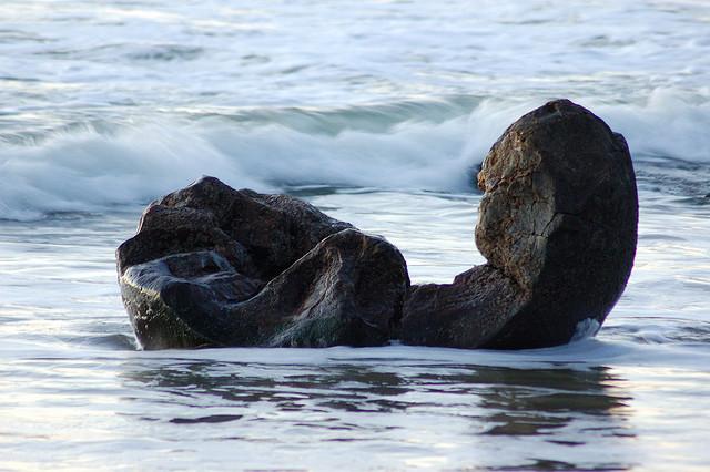 Moeraki boulders by Brendon Gloistein