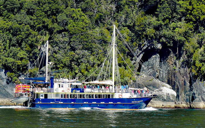 Milford Wanderer cruise boat